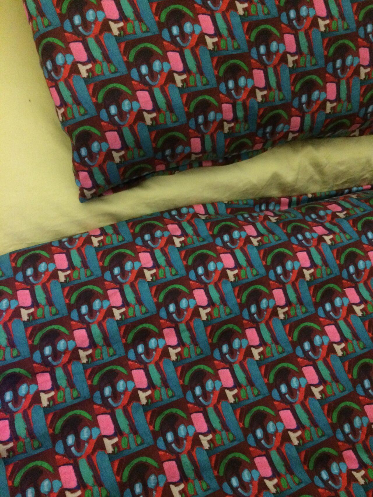 bettwäsche-duschvorhänge-textildesign-kunst-menschen-mit behinderungen-helena-kisling